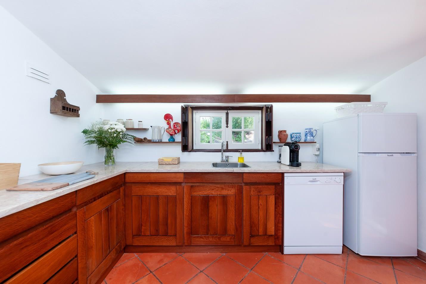 Pine tree house kitchen